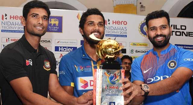সোশ্যাল মিডিয়া বন্ধ, অসন্তোষ ভারতীয় ক্রিকেটারদের