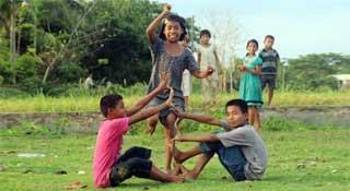 গ্রামীণ ঐতিহ্যের ইচিং বিচিং খেলা