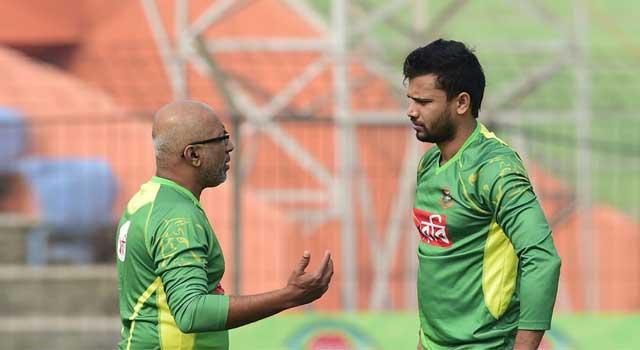 'হাথুরুসিংহে, বাংলাদেশ ক্রিকেটের এক অসমাপ্ত অধ্যায়'