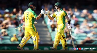 ফিঞ্চ-স্মিথের সেঞ্চুরিতে ভারতের বিপক্ষে অস্ট্রেলিয়ার রান পাহাড়