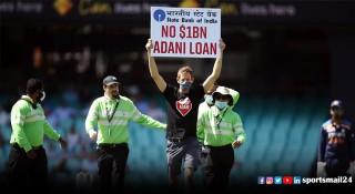 ভারতীয় কোম্পানির বিরুদ্ধে অস্ট্রেলিয়া ক্রিকেট মাঠে প্রতিবাদ