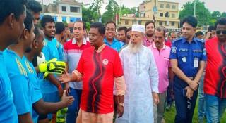 বেনাপোলে সিরাজুল ইসলাম স্মৃতি ফুটবল টুর্নামেন্ট