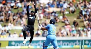 কোহলি-ধোনিহীন ভারত ৯২ রানেই অলআউট