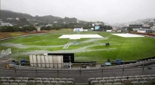 বৈরী আবহাওয়ায় আটকে আছে বাংলাদেশ-নিউজিল্যান্ডের দ্বিতীয় টেস্ট