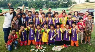 রাজবাড়ীতে বঙ্গবন্ধু ও বঙ্গমাতা গোল্ডকাপ ফুটবল টুর্নামেন্টের ফাইনাল অনুষ্ঠিত