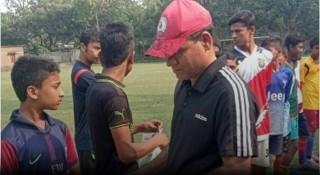 সাতক্ষীরায় সাতজন অনূর্ধ্ব-১৫ ফুটবলার নির্বাচিত