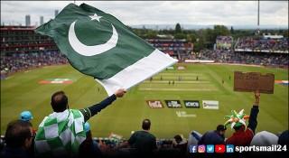ক্রিকেট মাঠে দর্শক ফেরাচ্ছে পাকিস্তান