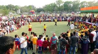 রাজবাড়ীতে ঐতিহ্যবাহী লাঠি খেলা অনুষ্ঠিত