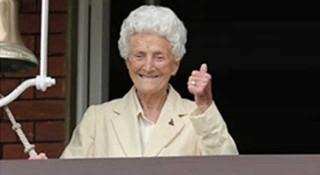 ১০৭ বছরে বিশ্বের সবচেয়ে বয়স্ক টেস্ট ক্রিকেটার