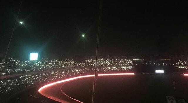 বিদ্যুৎ বিভ্রাট, ৬ মিনিট অন্ধকারে শের-ই-বাংলা স্টেডিয়াম