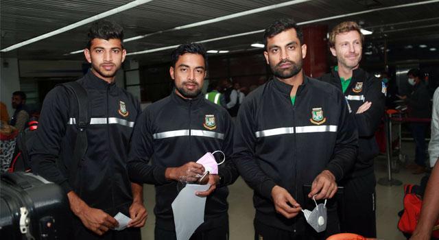পাকিস্তান পৌঁছাতে ১৩ ঘণ্টার যাত্রায় বাংলাদেশ দল
