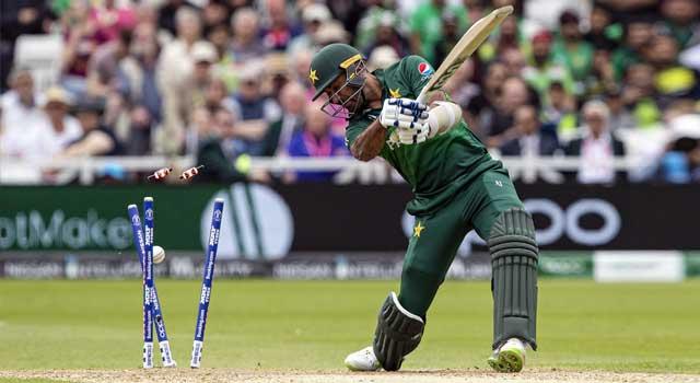ওয়েস্ট ইন্ডিজের কাছে ১০৫ রানে অলআউট পাকিস্তান