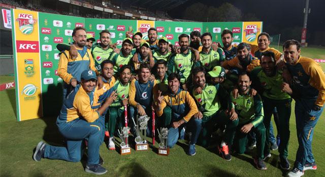 সিরিজ জয়ে উচ্ছ্বসিত পাকিস্তানি ক্রিকেটাররা